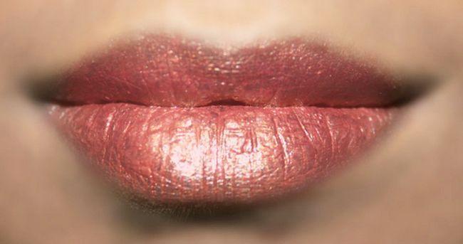 Simples Foiled Lip Maquiagem - Tutorial Com Etapas detalhadas e imagens Photo