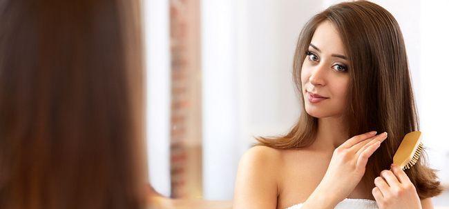 Comece A Love Affair com o seu cabelo - Perda de impedir que o cabelo por escovar o cabelo Photo