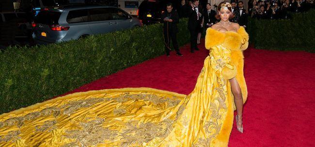 Top 10 Mulheres bem vestida em torno do mundo Photo