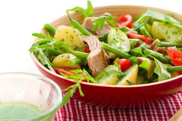 batata salada de feijão verde com molho de pepino