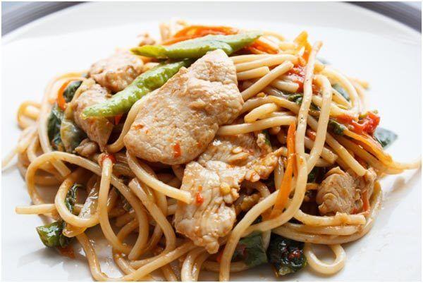 Salada de frango chinês
