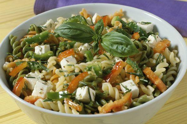 salada de macarrão três pimenta