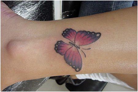 tatuagem rosa borboleta