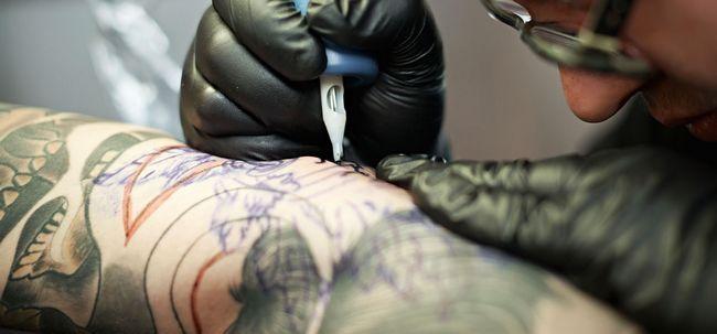 Top 10 Parlours tatuagem na Índia Photo