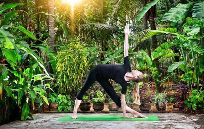 Extensão da pose do triângulo yoga