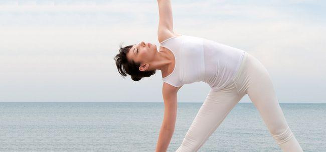 Utthita Trikonasana / Extensão Triangle Pose - Como fazer e quais são seus benefícios? Photo