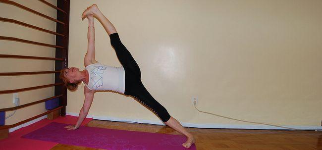 Vasisthasana / Side Plank Pose - Como fazer e quais são seus benefícios? Photo