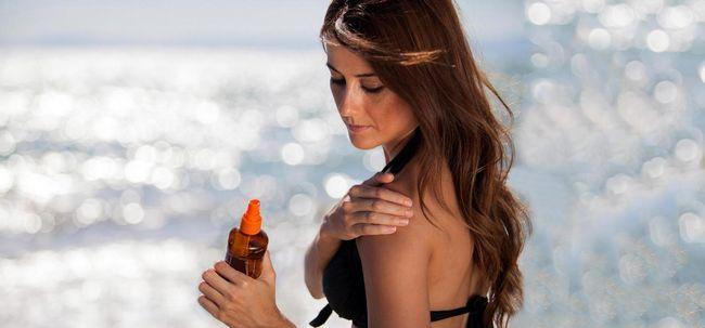 Porque você deve usar óleo de coco para bronzeamento? Photo