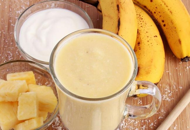 Pineapple-Coconut Smoothie Com Banana