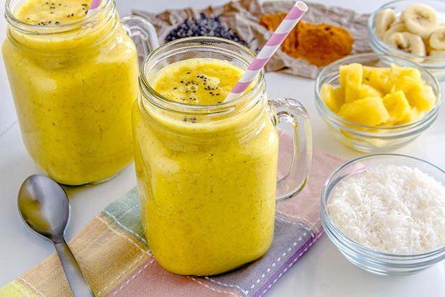 Fruit Smoothie feito com abacaxi